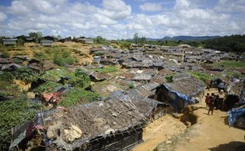 https://www.yahoo.com/news/attackers-kill-guard-bangladesh-rohingya-refugee-camp-084936991.html